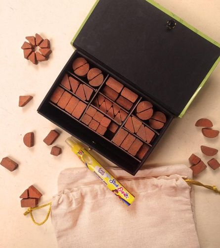 Pipal Leaf - Kattoos Terracotta Building Bricks